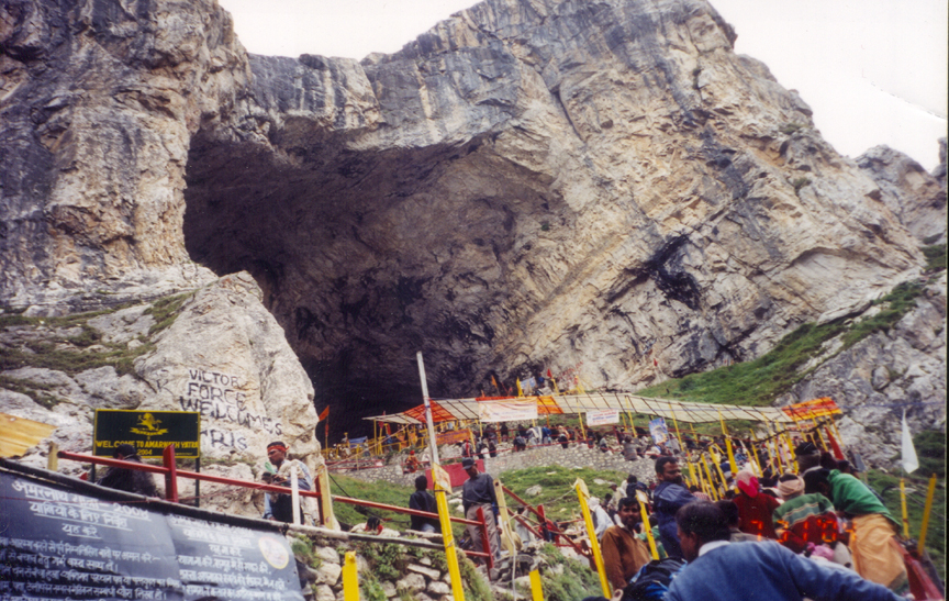 amarnath temple Shiva is known to have made his adobe in the himalayas legend has it that shiva recounted to goddess parvati the secret of creation in the shri amarn.